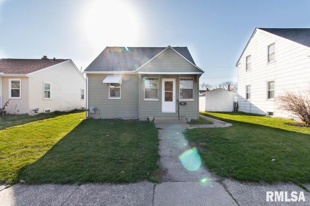 222 S HAZELWOOD Property Photo - Davenport, IA real estate listing