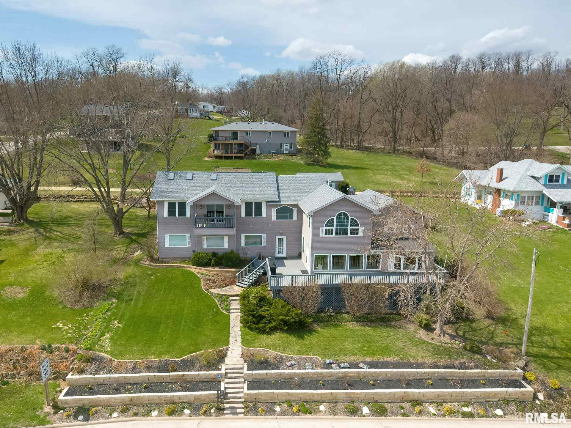 918 N CODY Property Photo - Le Claire, IA real estate listing