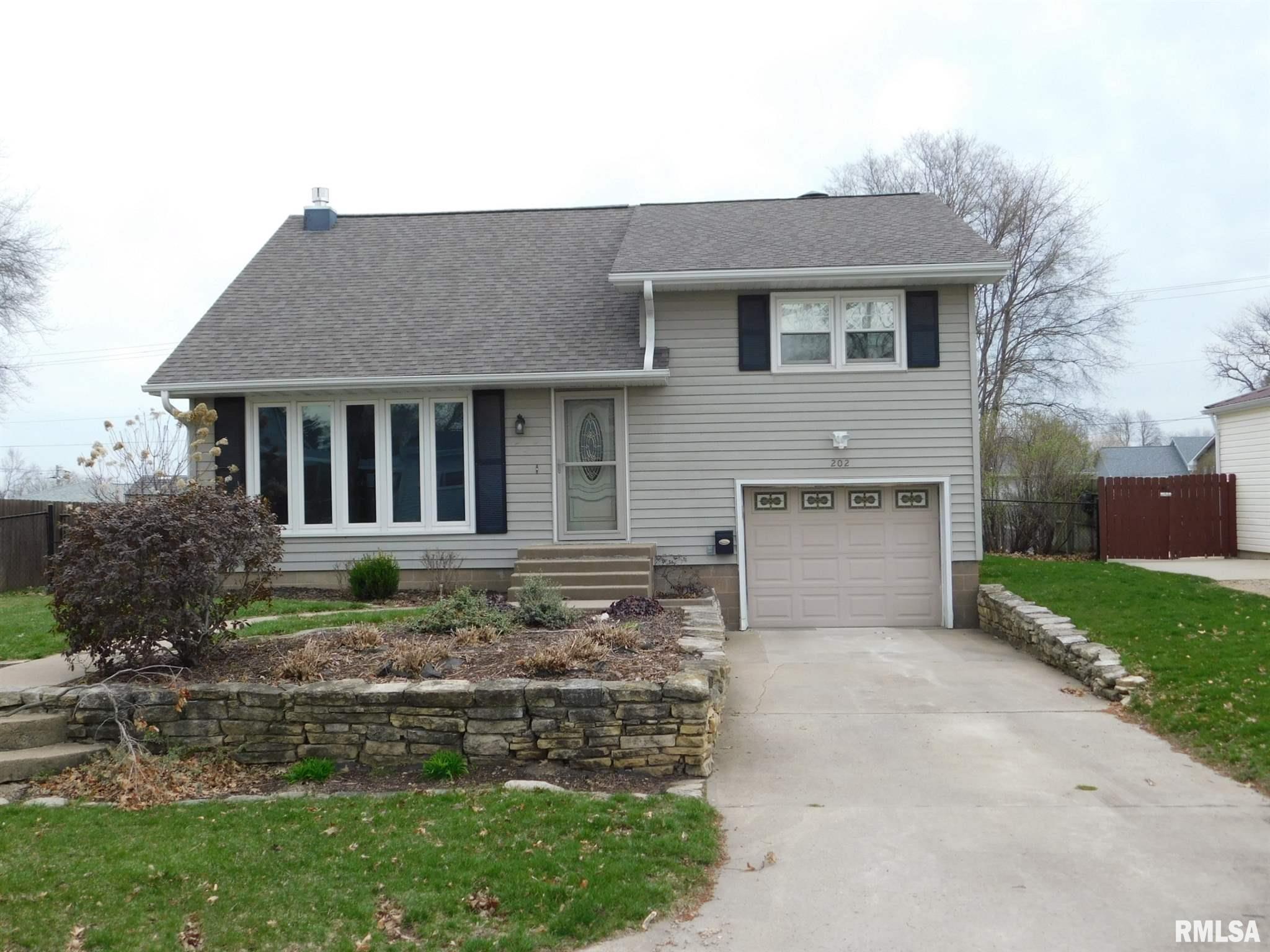 202 E 12TH Property Photo - Tipton, IA real estate listing