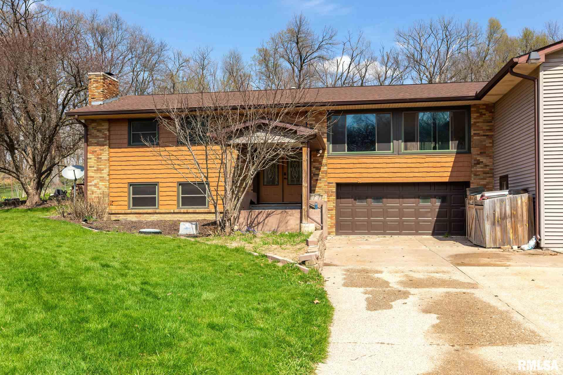 12027 NIABI ZOO Property Photo - Coal Valley, IL real estate listing