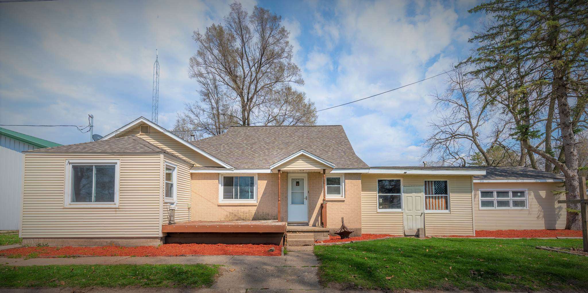 209 N PARK Property Photo - Albany, IL real estate listing