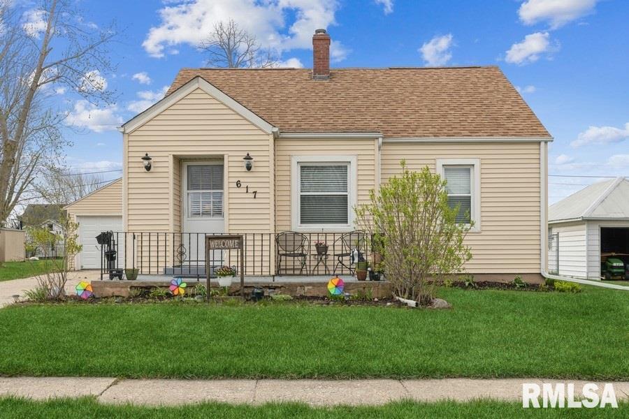 617 13TH Property Photo - De Witt, IA real estate listing