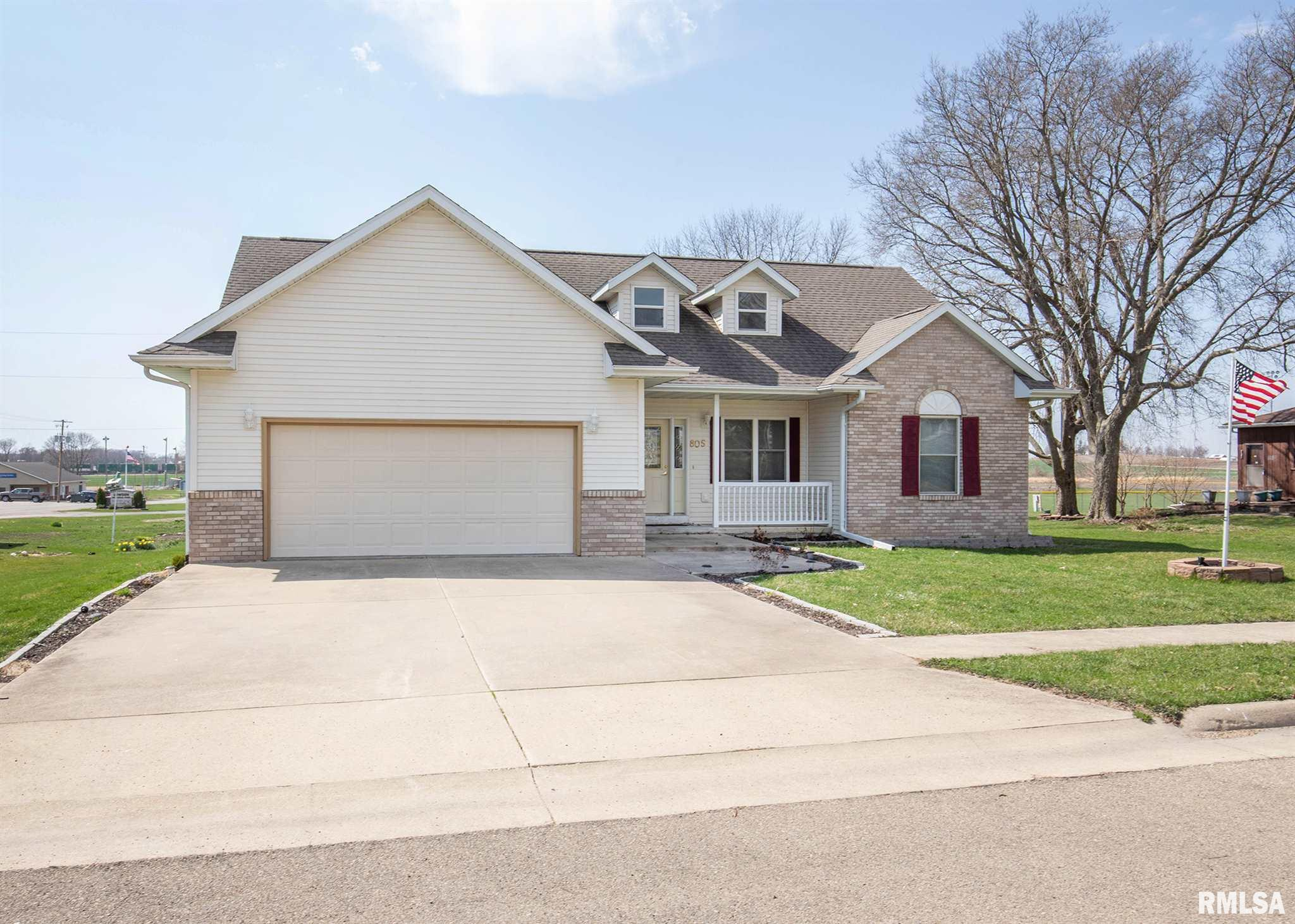 805 MCKINLEY Property Photo - Lowden, IA real estate listing