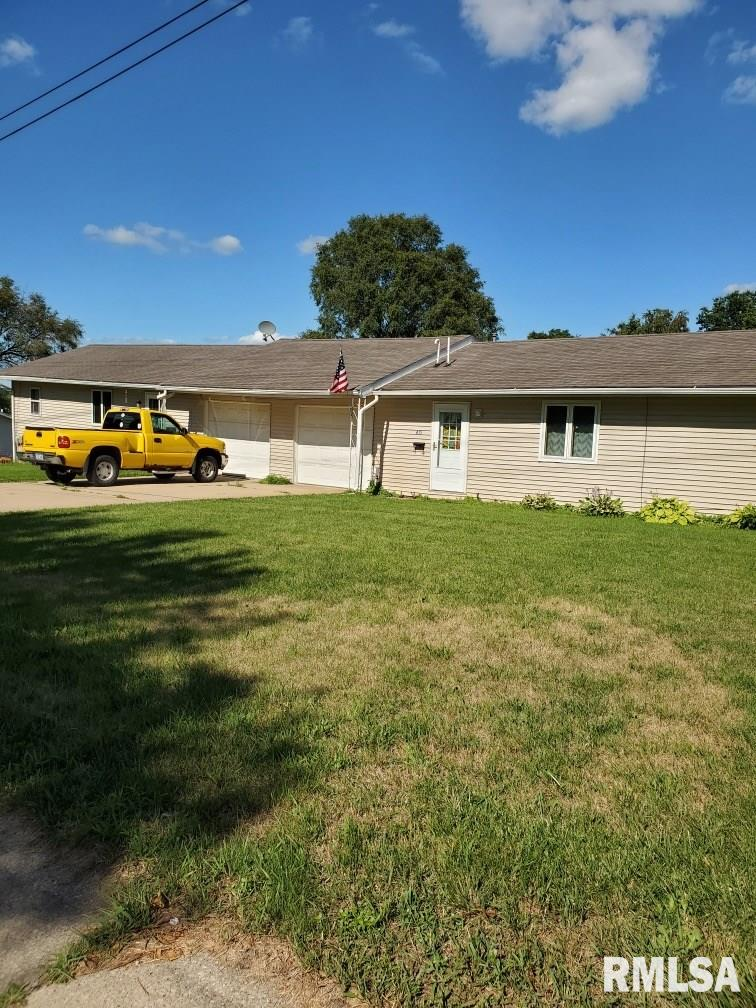 413 S CLARK Property Photo - Maquoketa, IA real estate listing