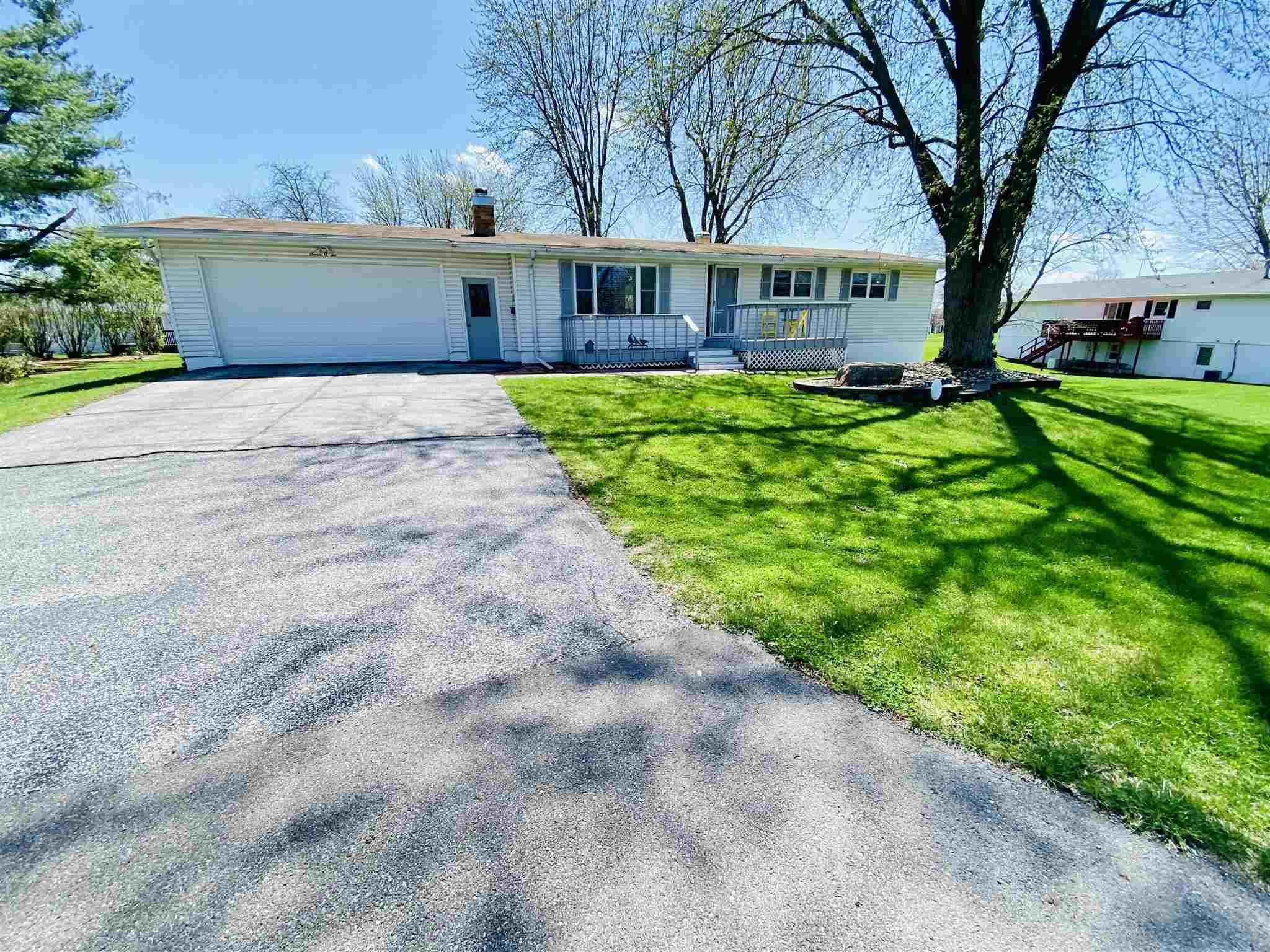 702 SW 9TH Property Photo - Aledo, IL real estate listing