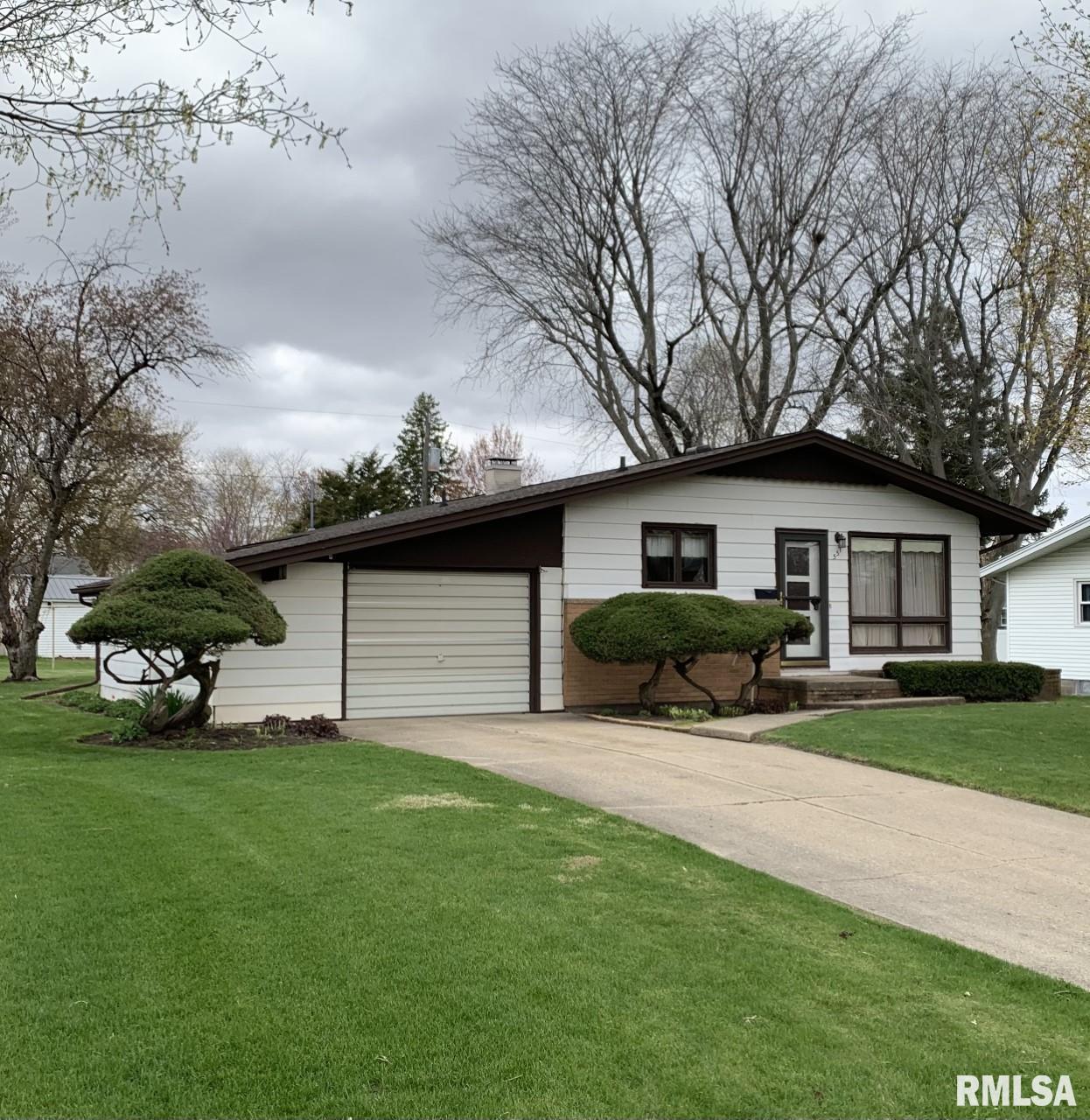 551 BEACH Property Photo - Kewanee, IL real estate listing