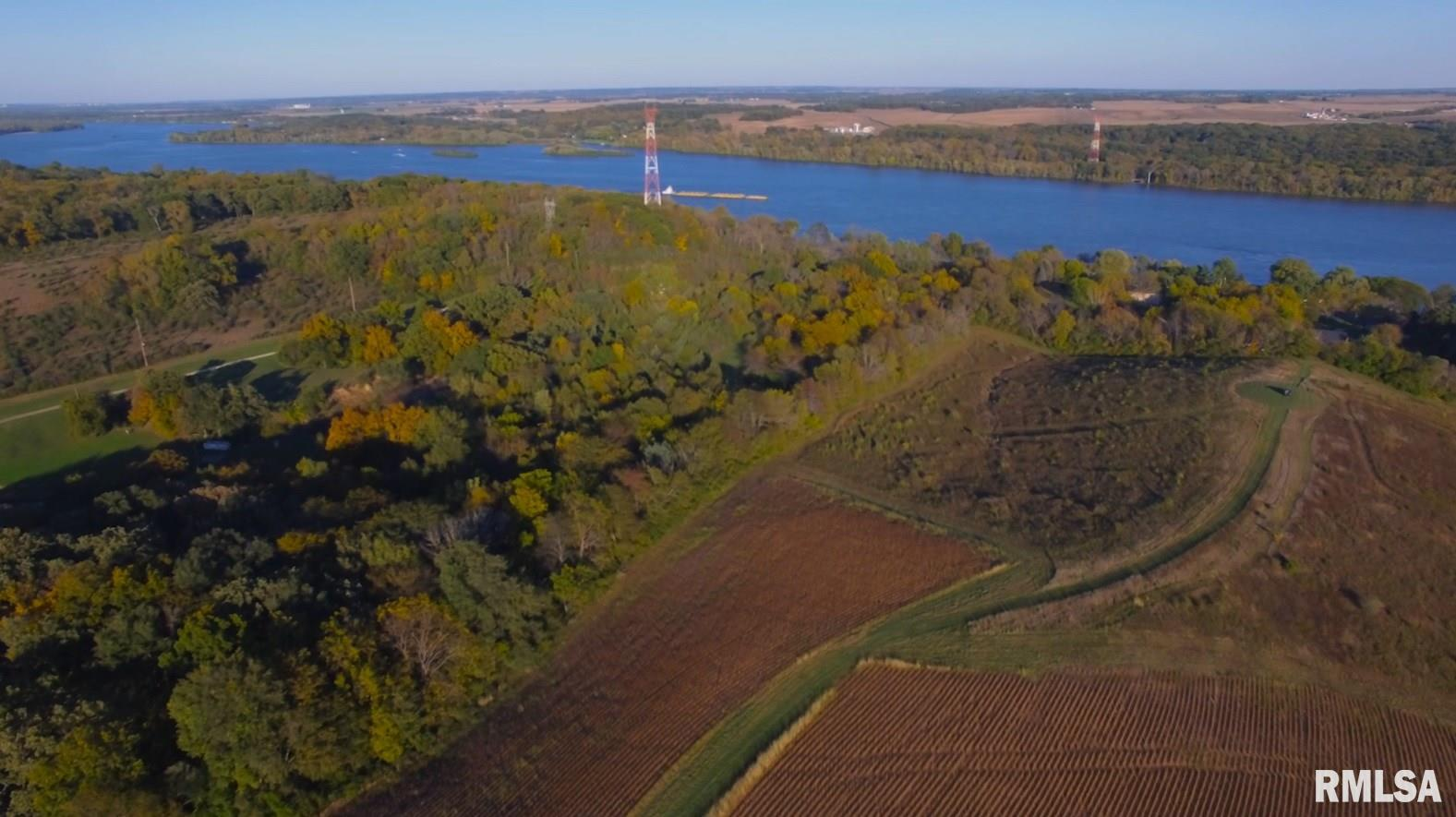 24500 GREAT RIVER Property Photo - Le Claire, IA real estate listing