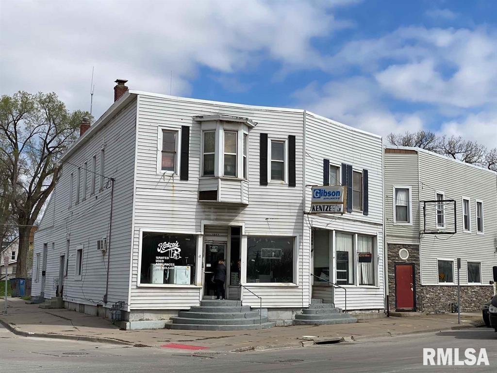 1842 ROCKINGHAM Property Photo - Davenport, IA real estate listing