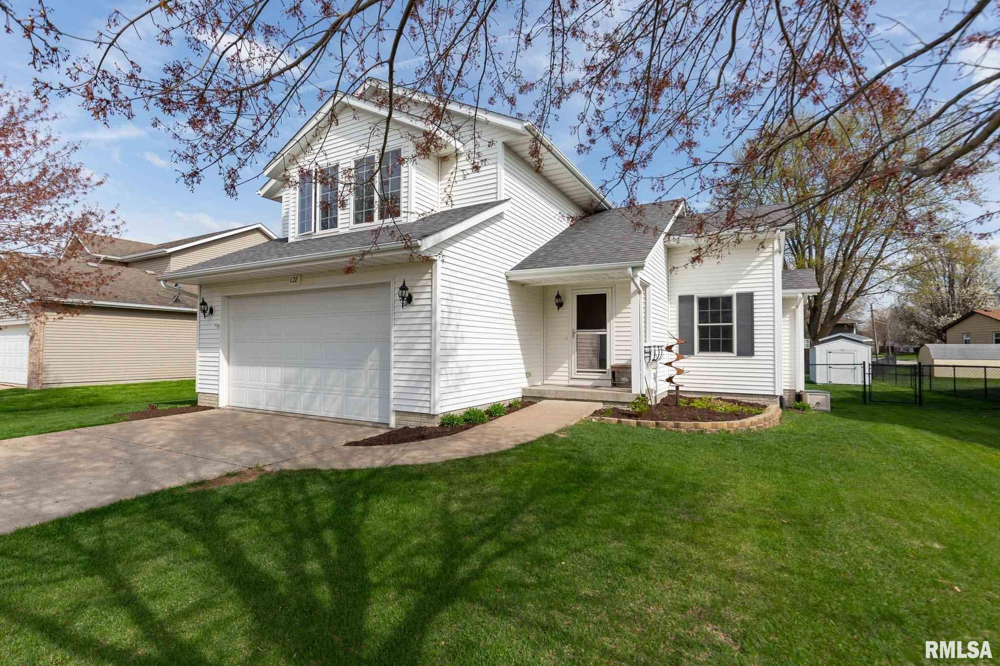 128 W PINEHURST Property Photo - Eldridge, IA real estate listing
