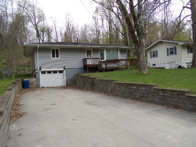 606 HAGERMAN Property Photo - Muscatine, IA real estate listing