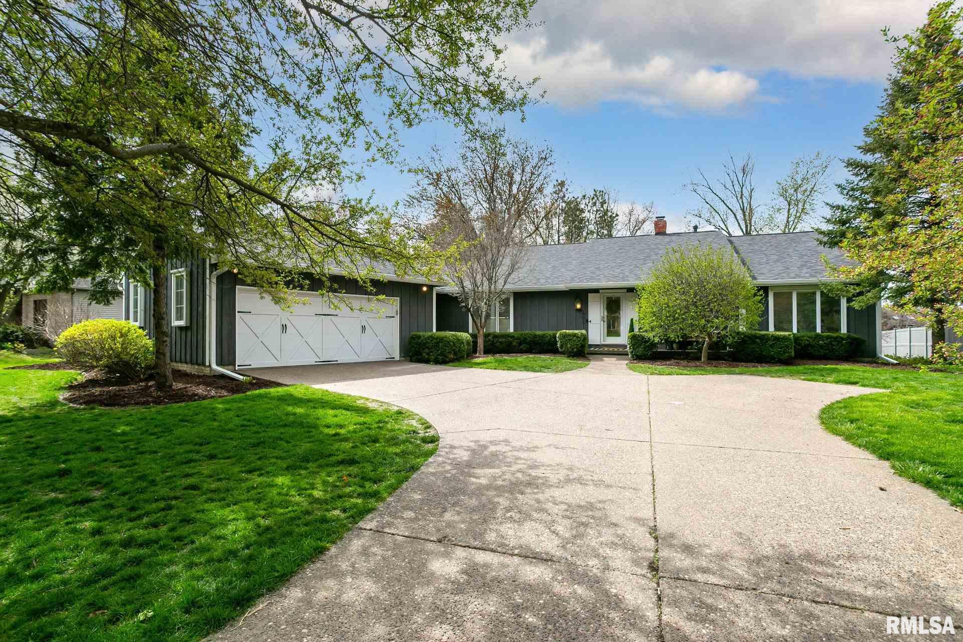 4021 Lakehurst Property Photo