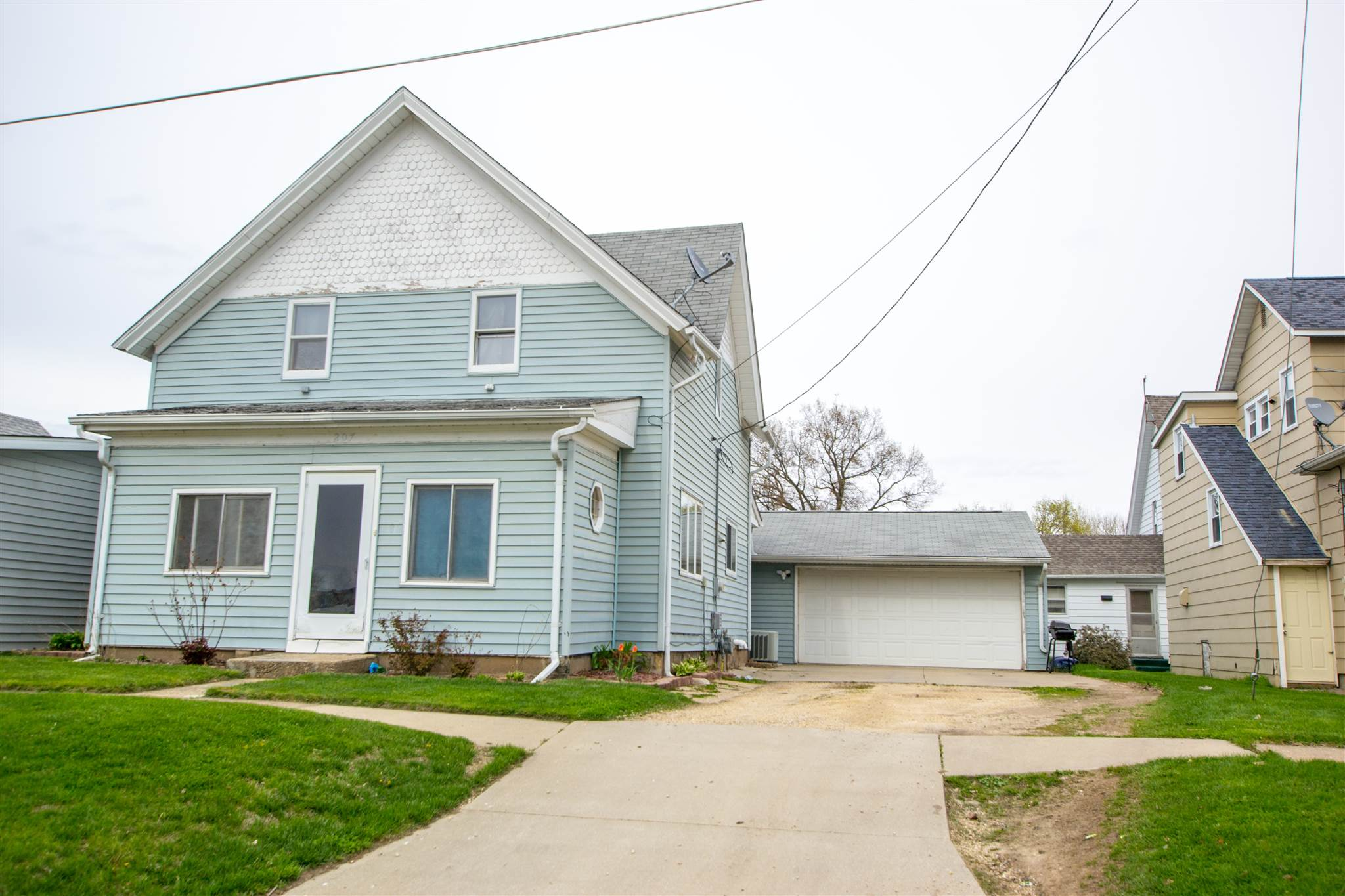 207 2ND Property Photo - Albany, IL real estate listing