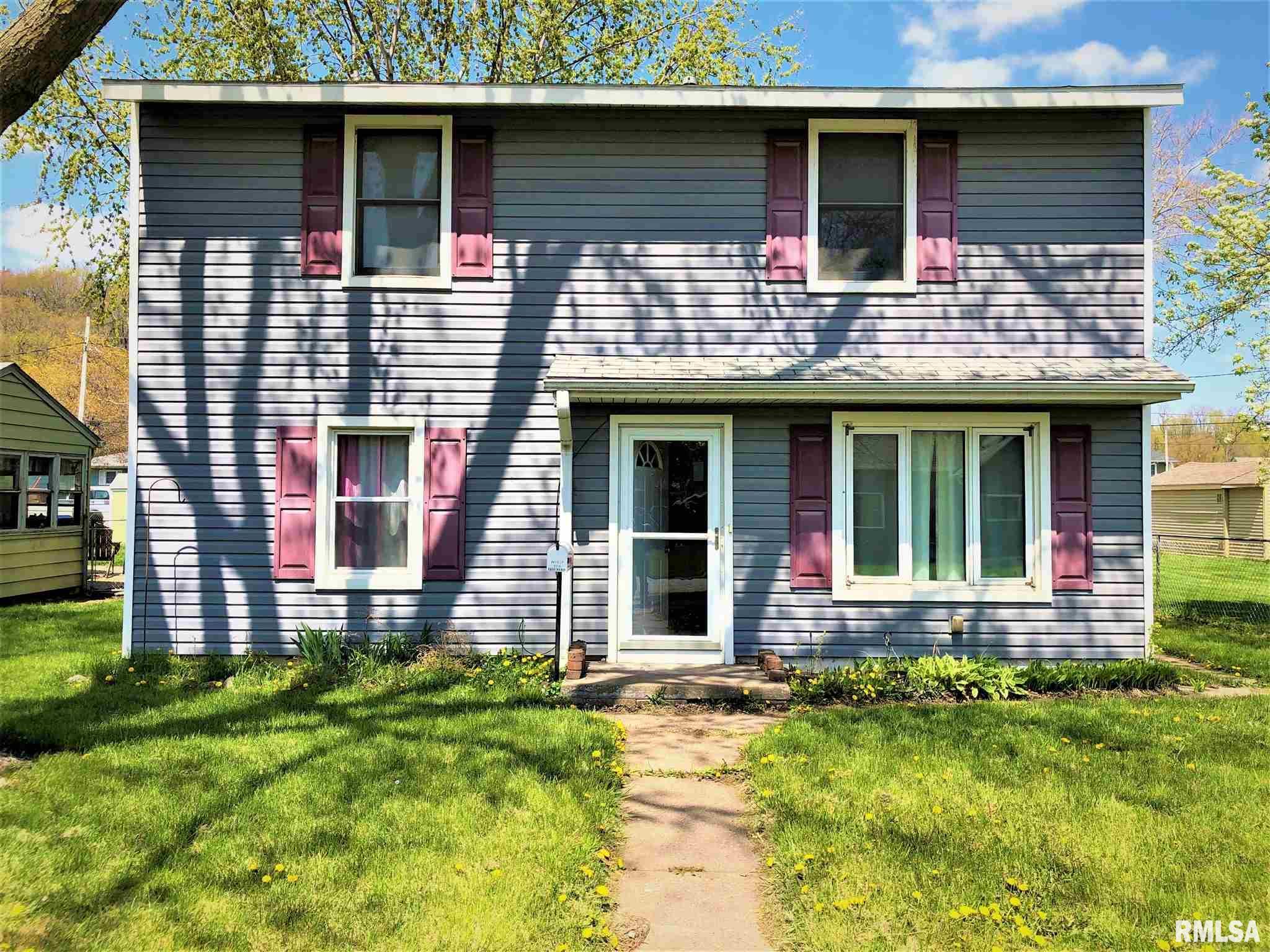 3810 ROCKINGHAM Property Photo - Davenport, IA real estate listing