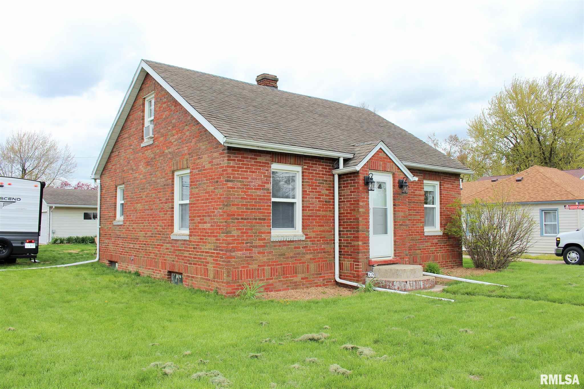 619 1ST Property Photo - Colona, IL real estate listing