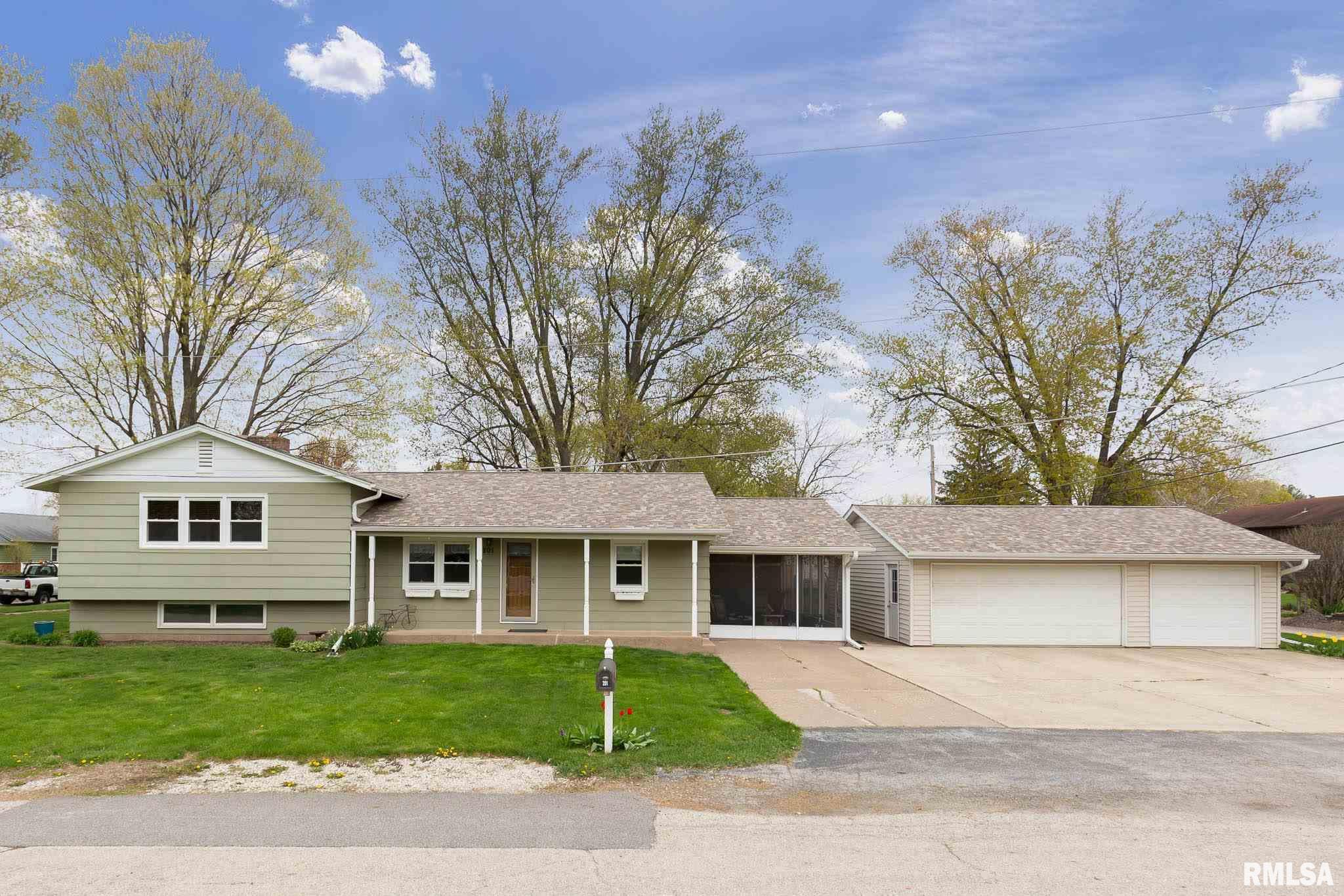 201 5TH Property Photo - Hampton, IL real estate listing