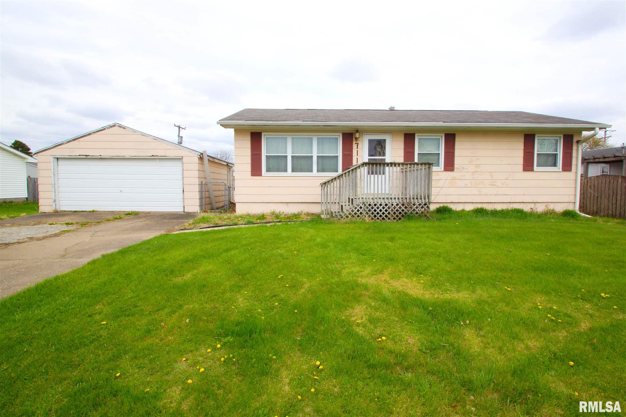711 N MOSELLE Property Photo - Blue Grass, IA real estate listing