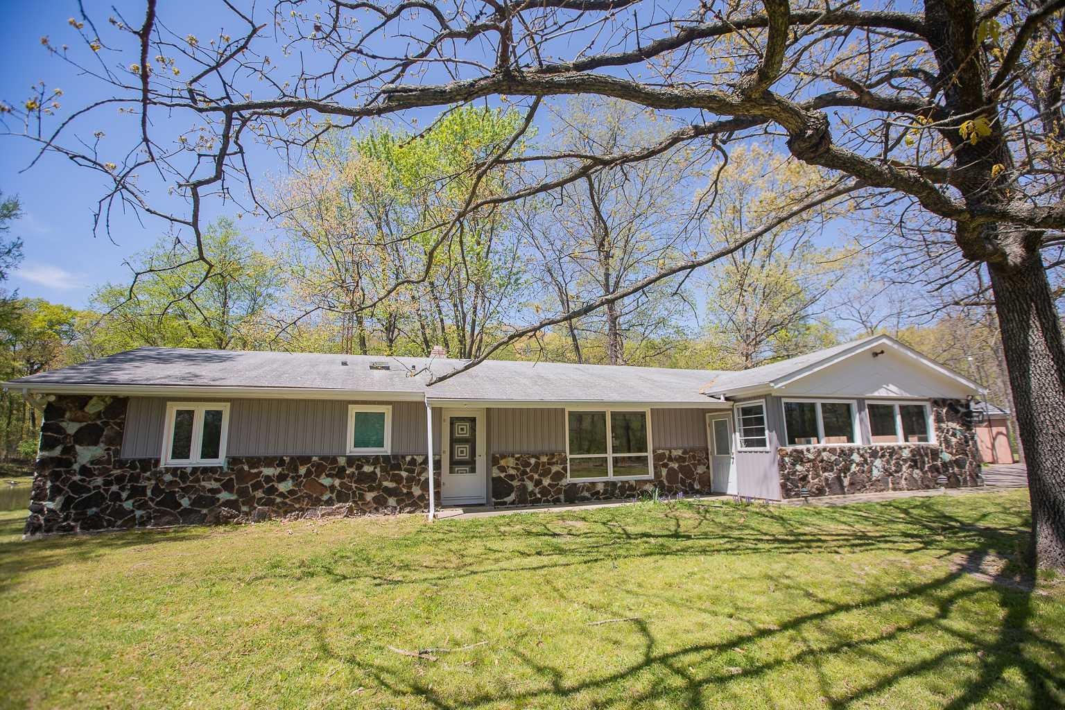 189 WOODHAVEN Property Photo - Carbondale, IL real estate listing