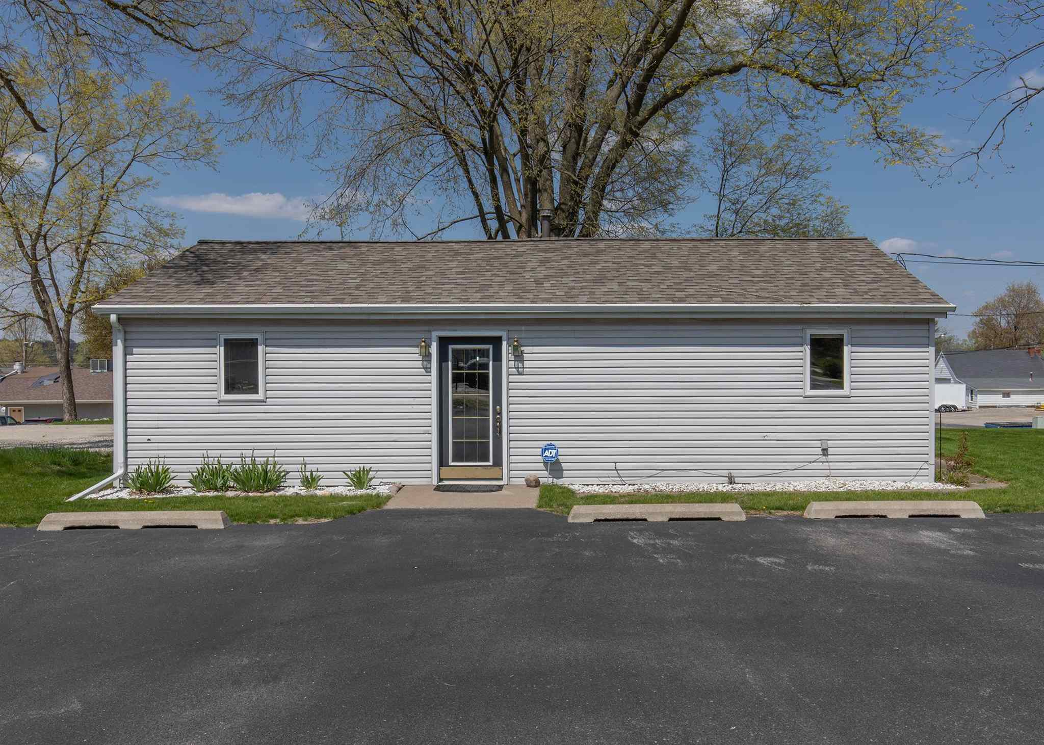 403 17TH Property Photo - Rapids City, IL real estate listing