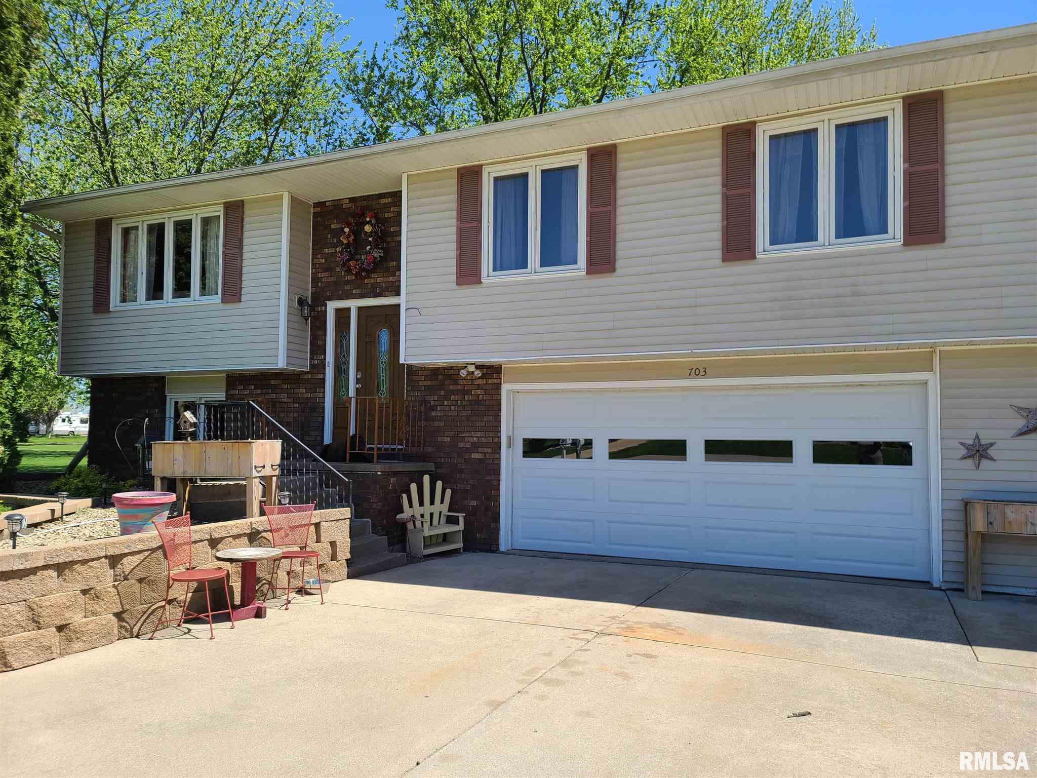 703 RIDGE Property Photo - Albany, IL real estate listing