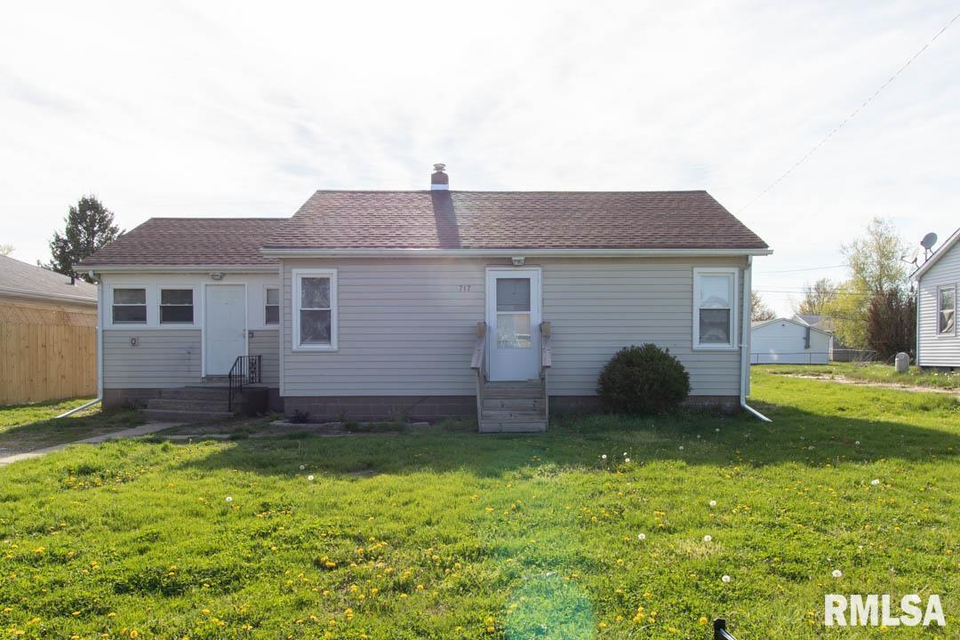 717 2ND Property Photo - Colona, IL real estate listing