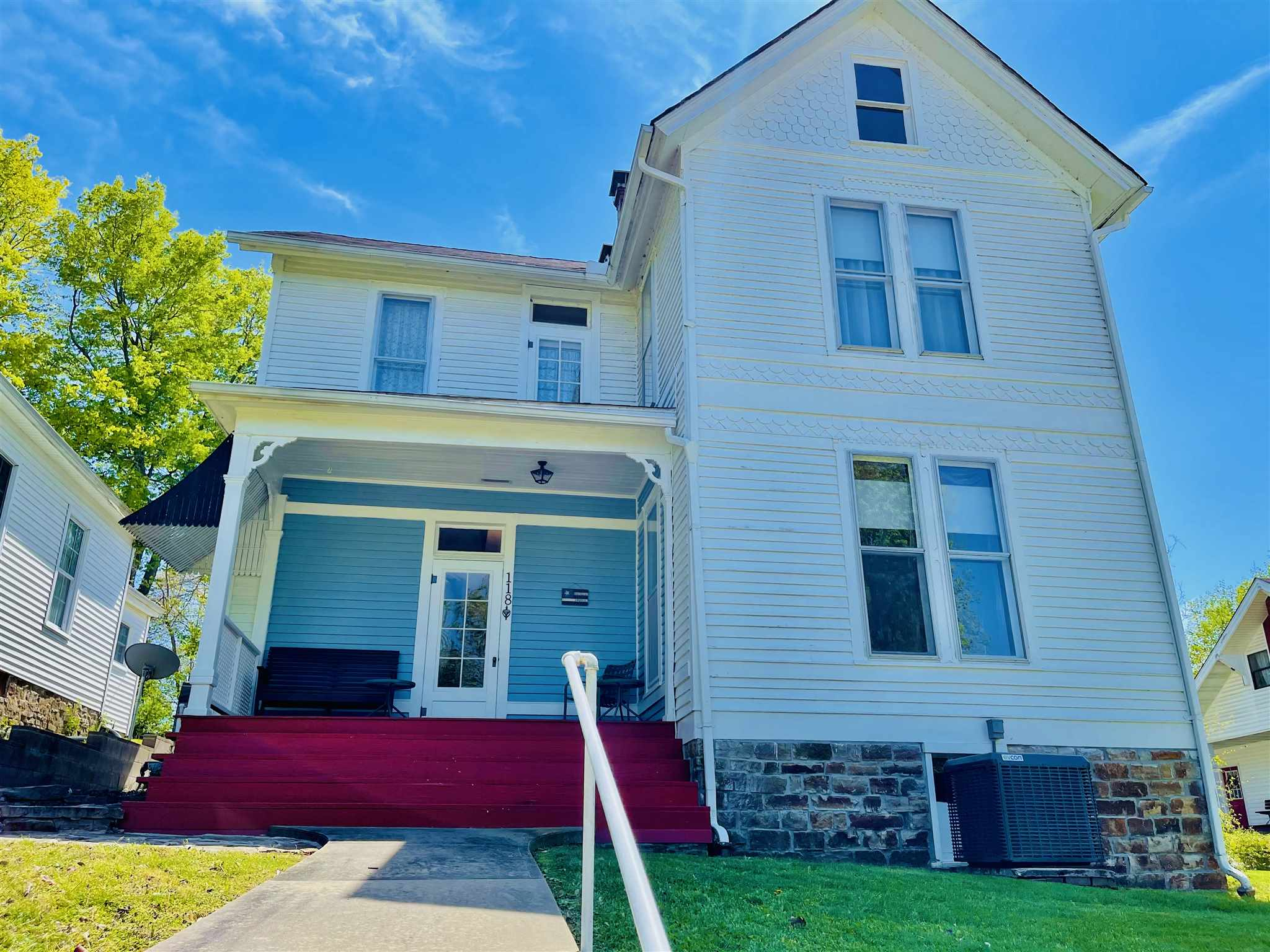 118 E MADISON Property Photo - Golconda, IL real estate listing