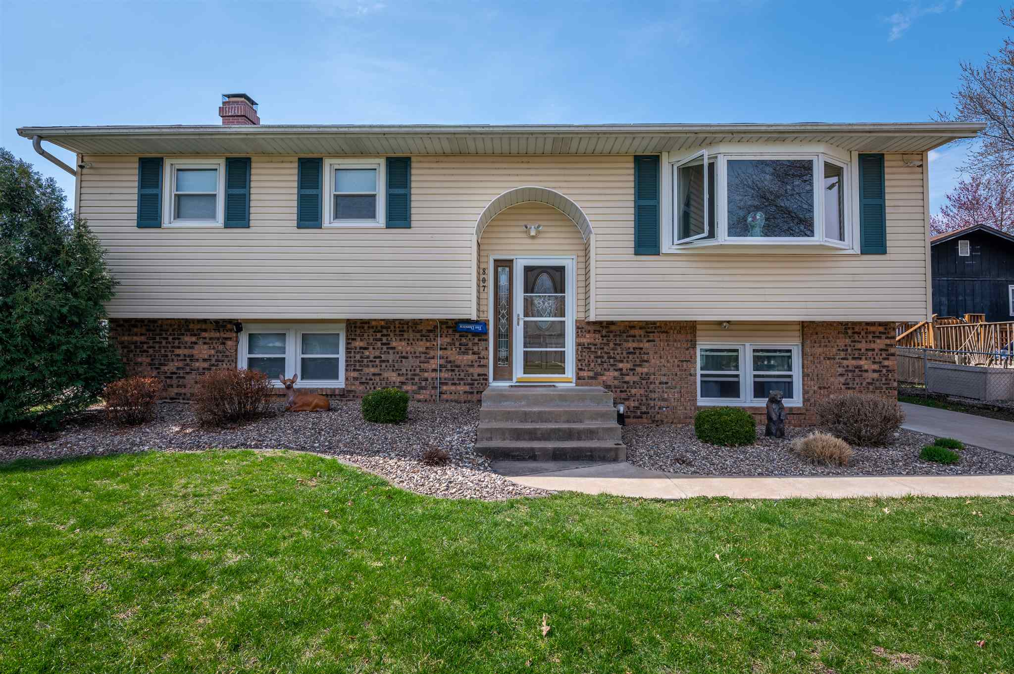 807 GREENVIEW Property Photo - Colona, IL real estate listing