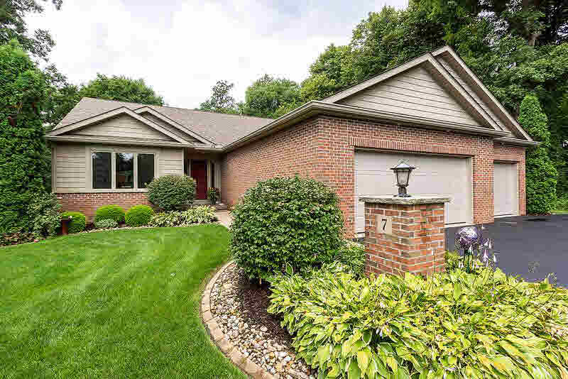 7 AUTUMN CREEK Property Photo - Coal Valley, IL real estate listing
