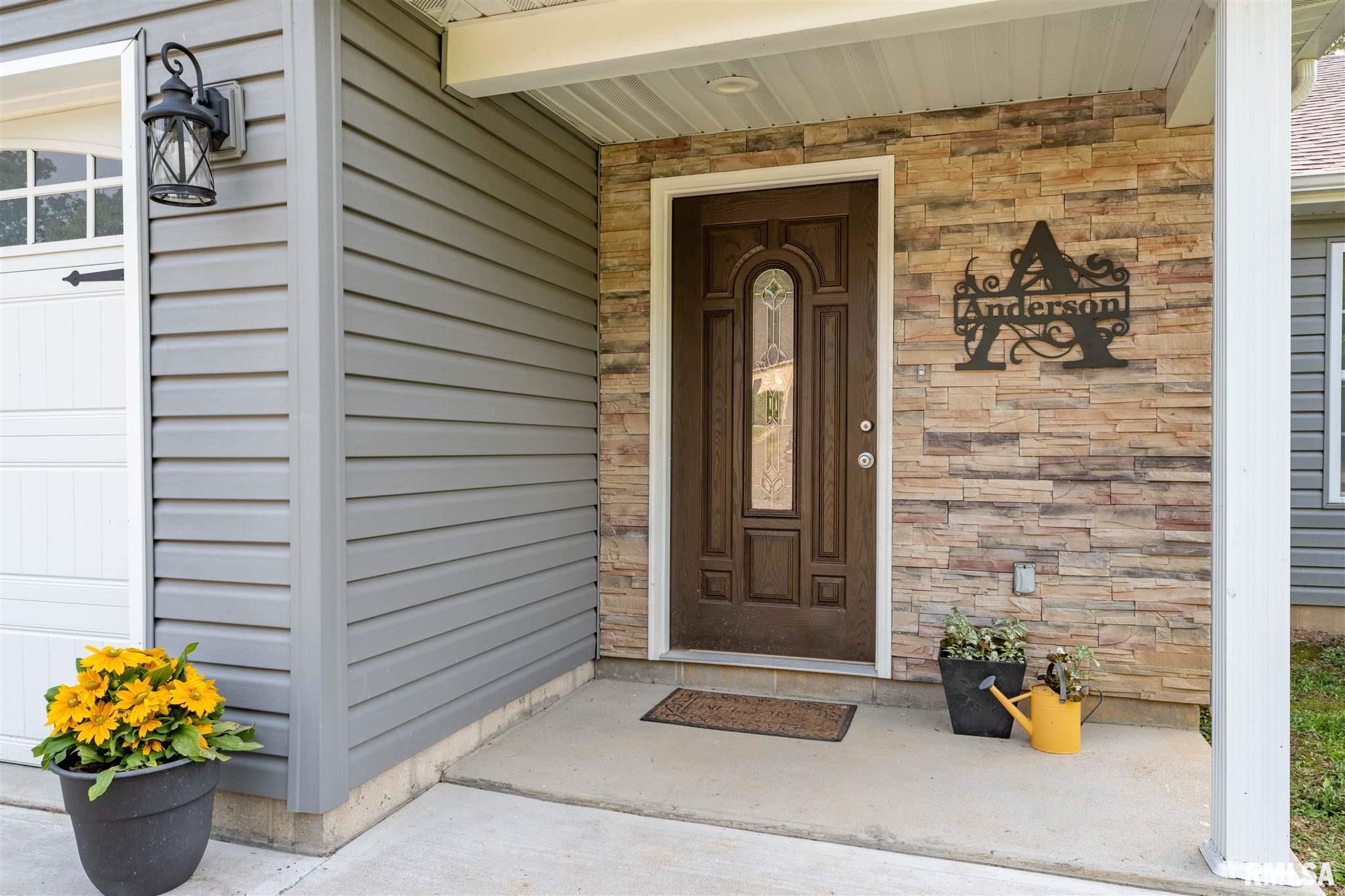2500 Saddle Lane Property Photo 2