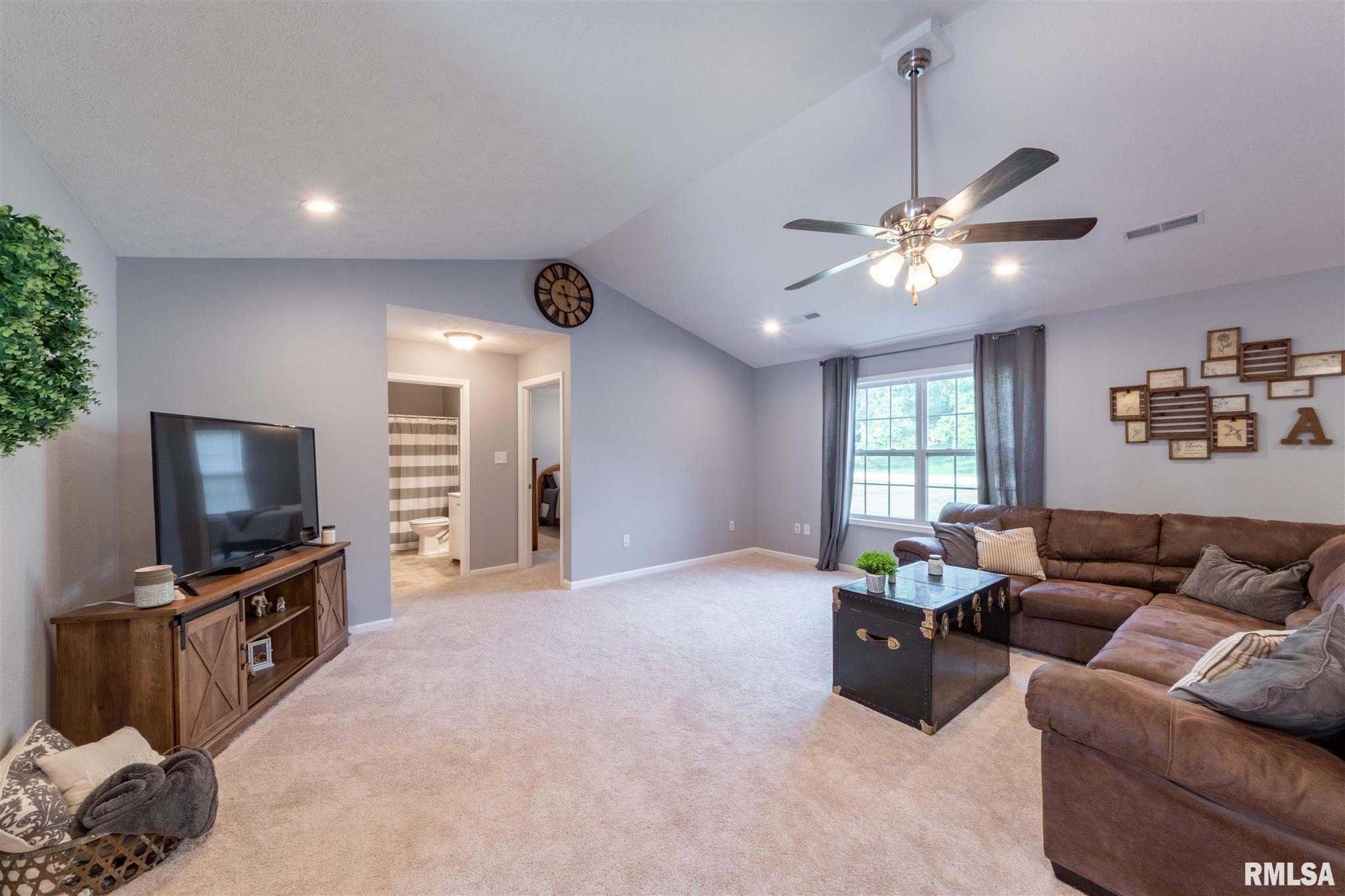 2500 Saddle Lane Property Photo 5