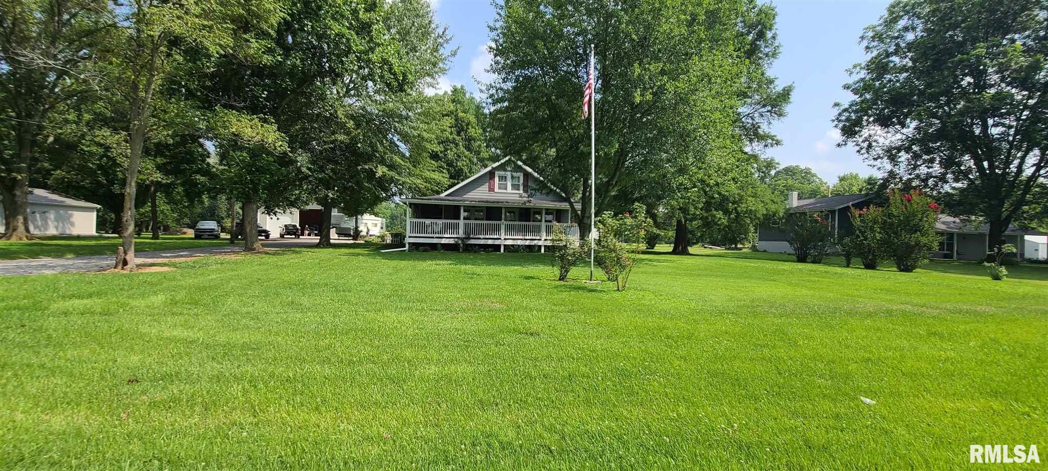 205 W Smith Street Property Photo 1