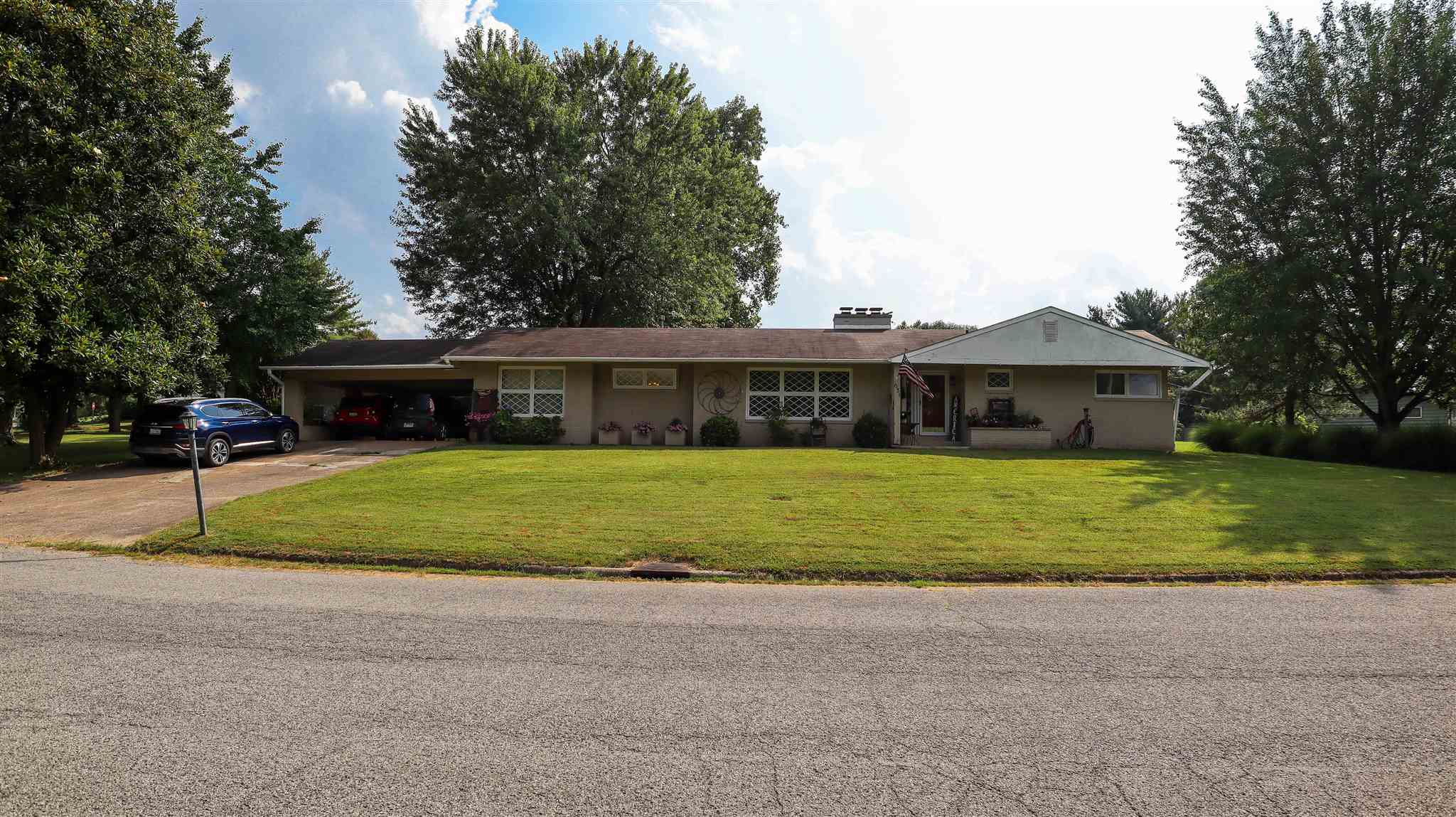 631 Indian Hill Drive Property Photo 23