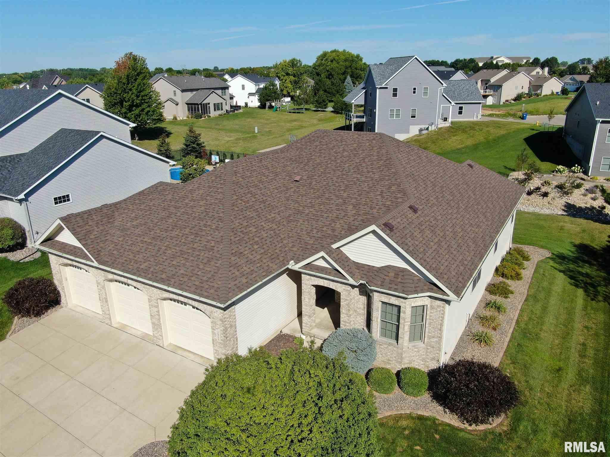 2916 E 64th Street Property Photo 1