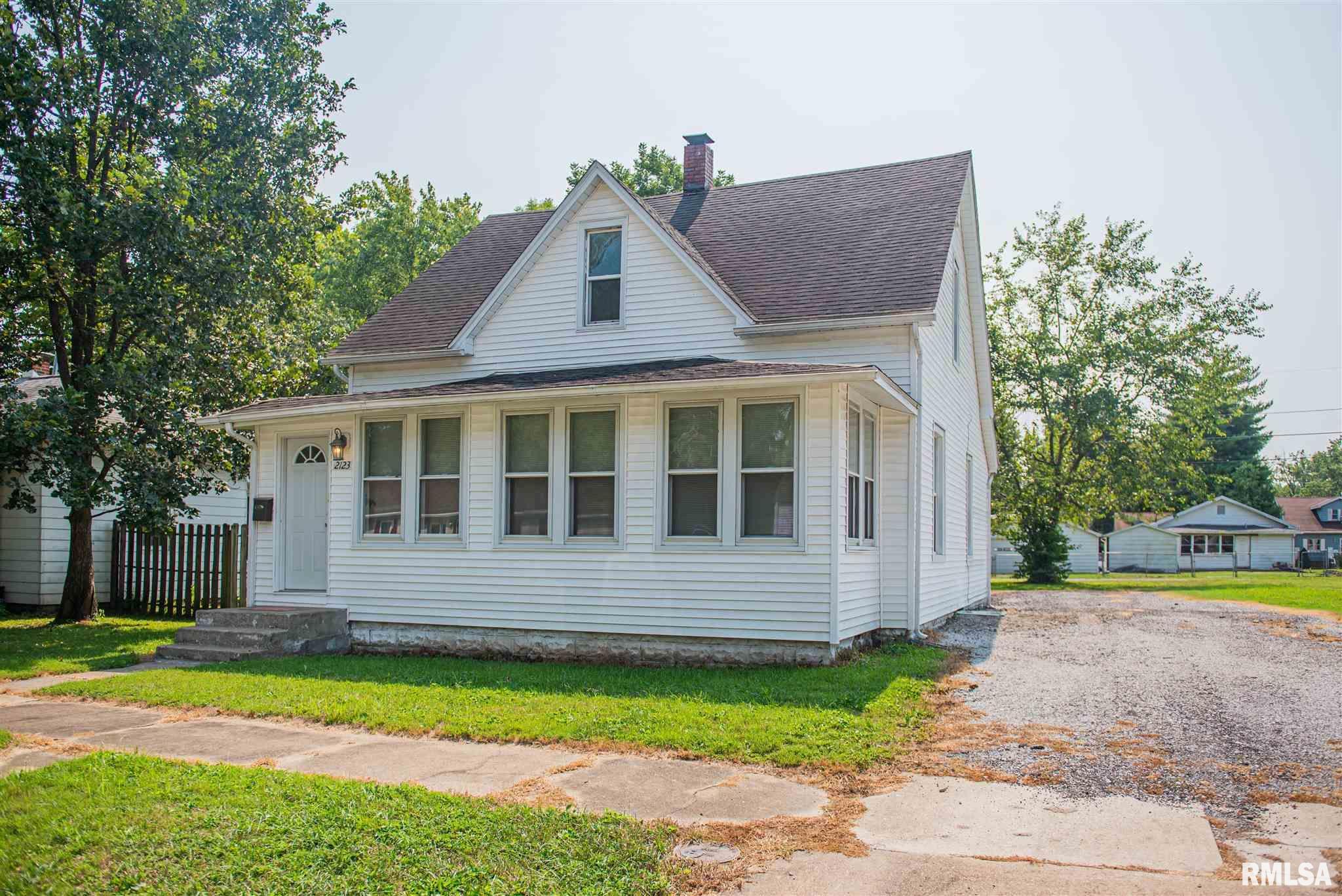 2123 Clarke Street Property Photo 1