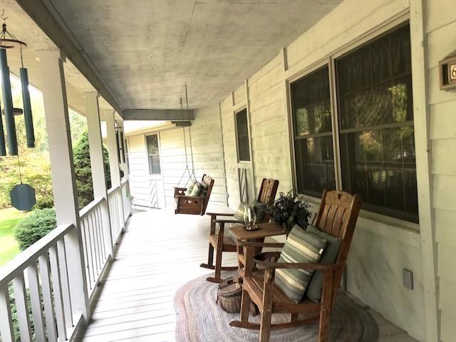 623 Lakeview Lane Property Photo 3