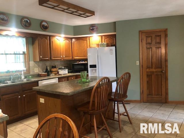 623 Lakeview Lane Property Photo 7