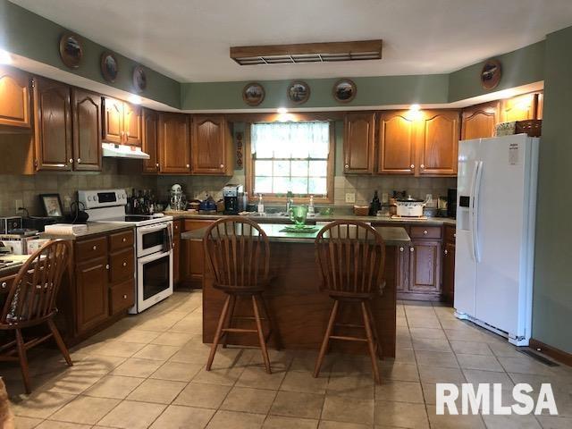 623 Lakeview Lane Property Photo 8