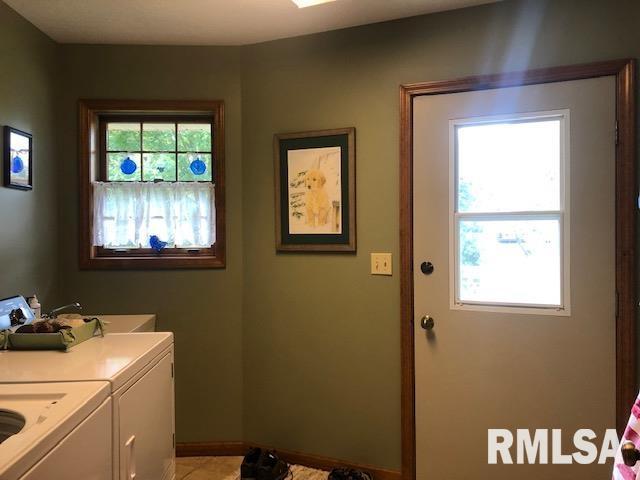 623 Lakeview Lane Property Photo 12