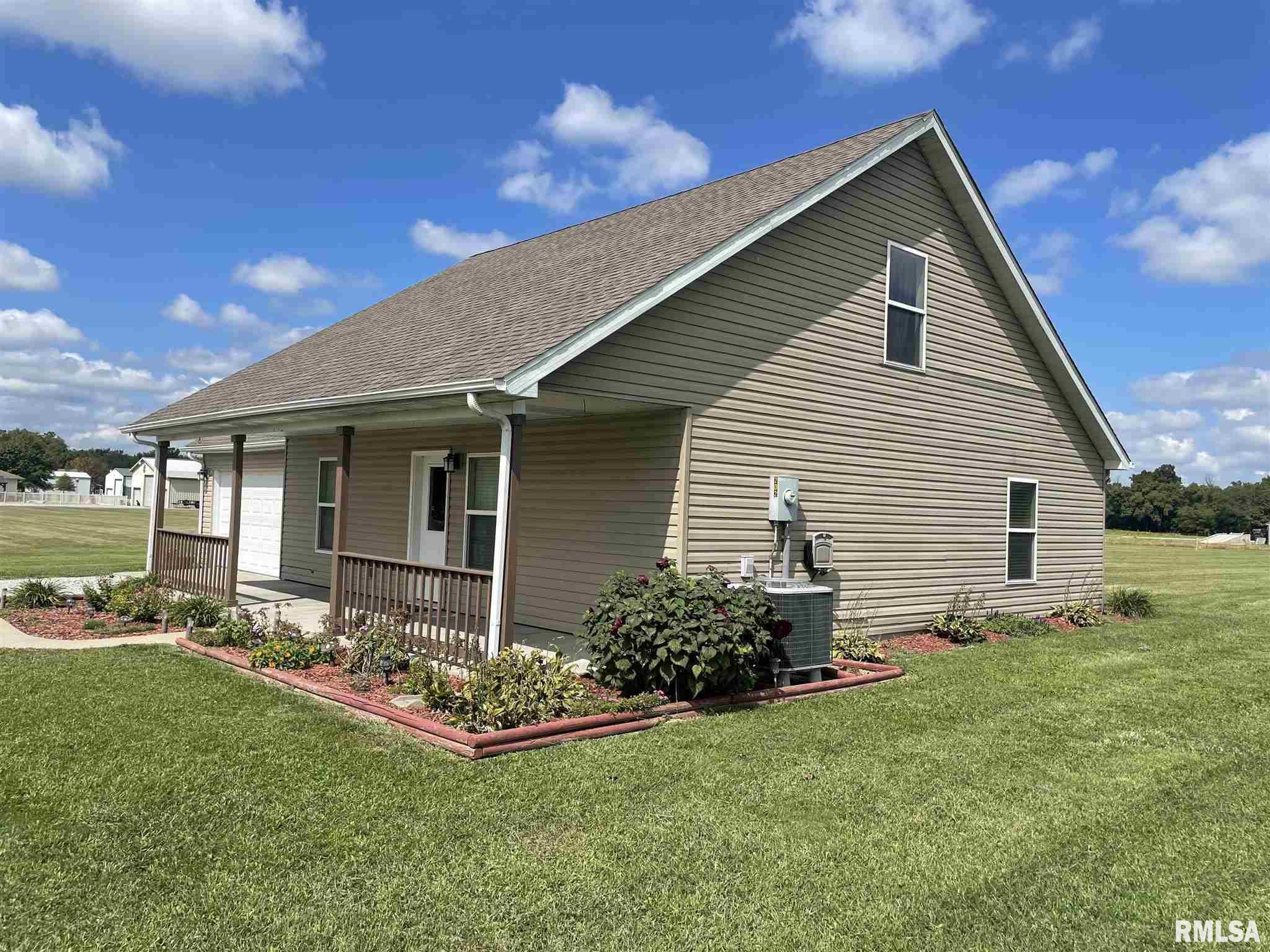 16702 Heatherbrook Lane Property Photo 2