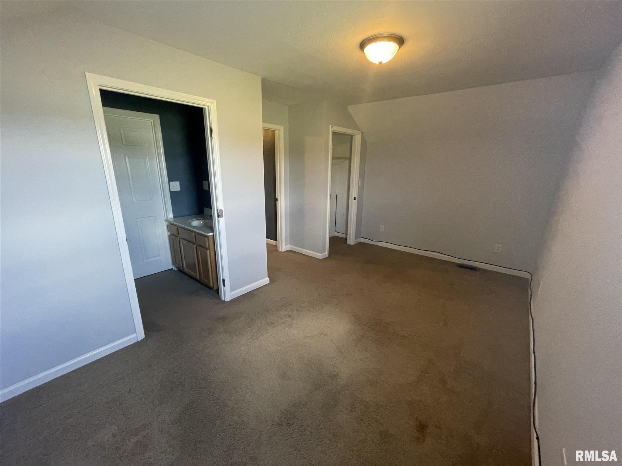 16702 Heatherbrook Lane Property Photo 12