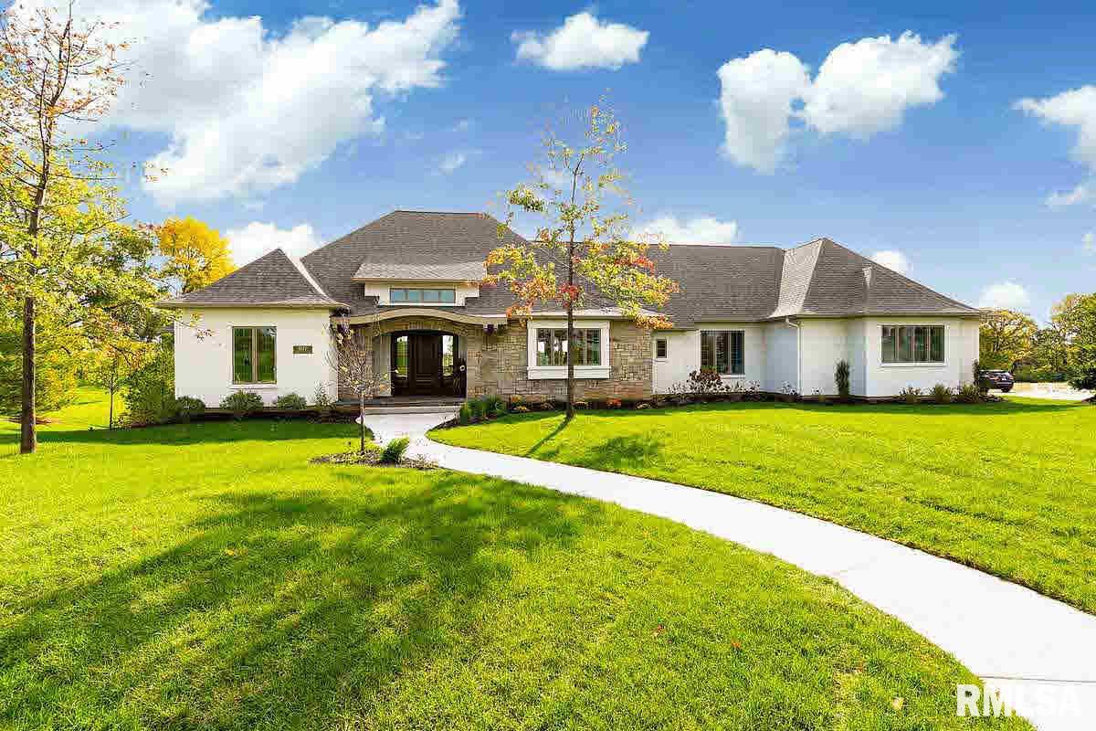 4877 Woodland Drive Property Photo 1
