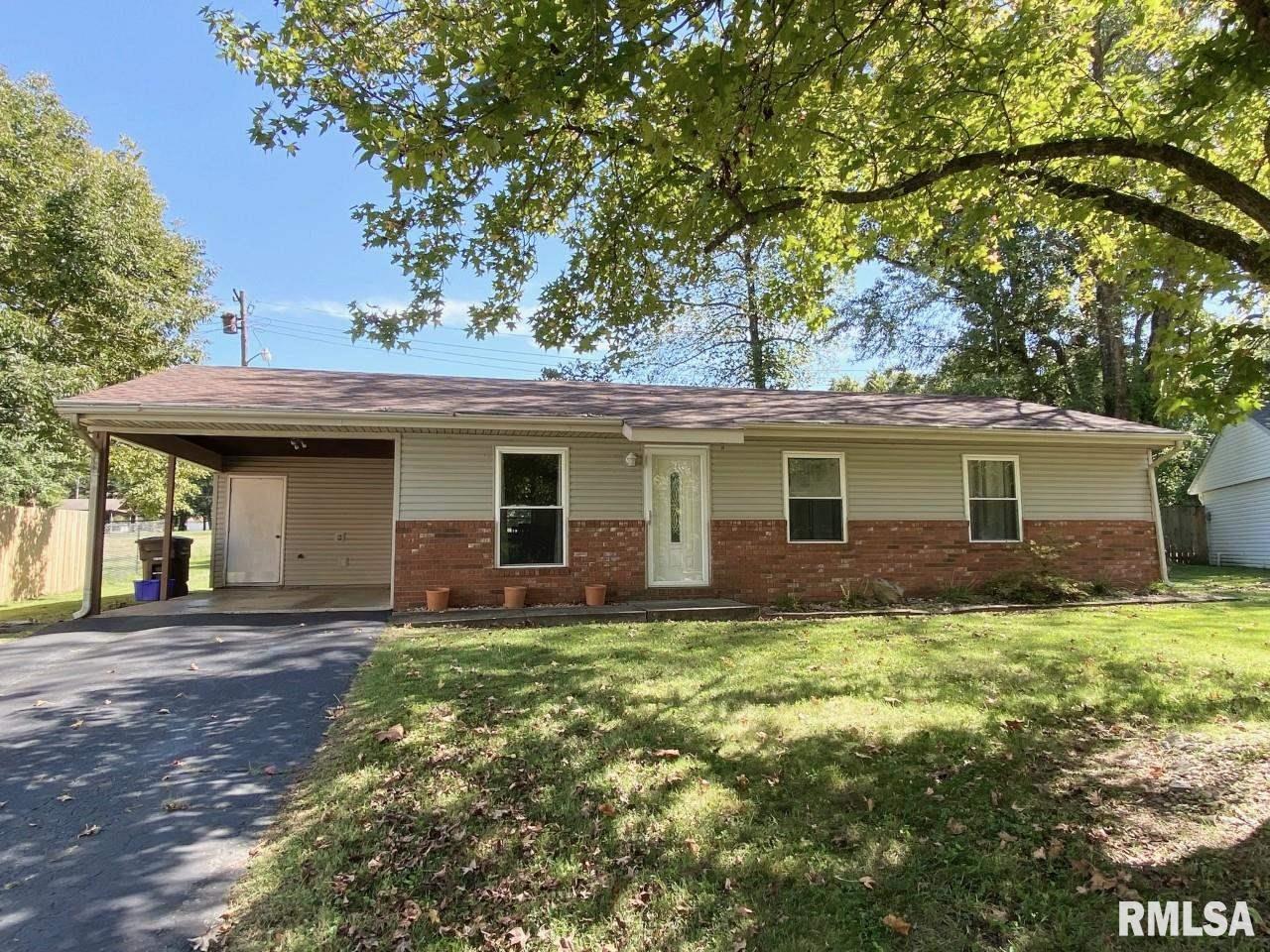 1025 W WILLOW Street Property Image