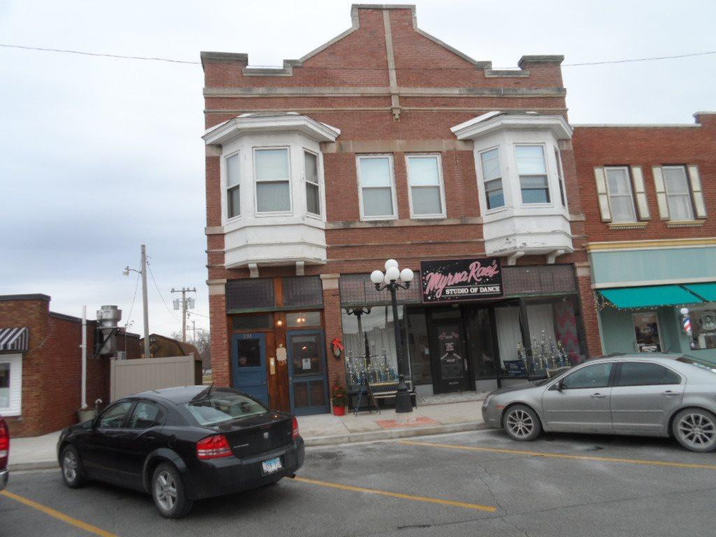 127 W MAIN Property Photo - Aledo, IL real estate listing