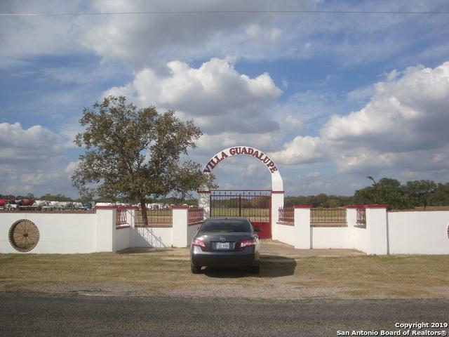 16223 I-35 S Property Photo 1