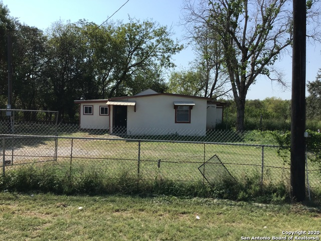 17554 Interstate 35 S Property Photo 1