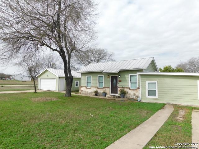 1409 Houston St Property Photo 1