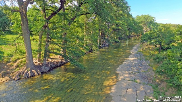 1598 State Highway 16 N Property Photo 1