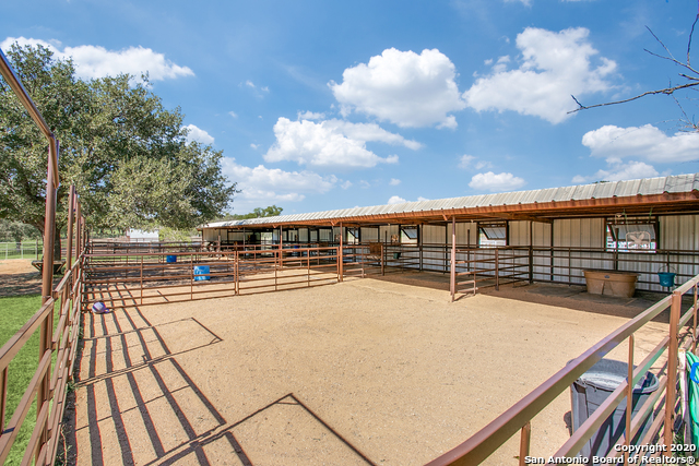 2025 Ranch Road 2323 Property Photo 20