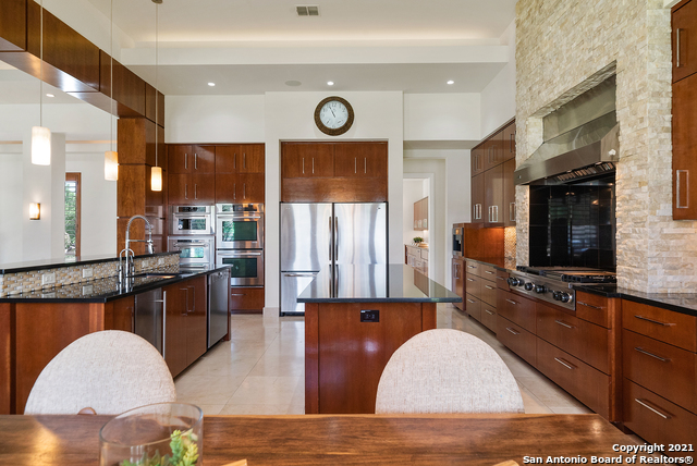 215 Winding Ln Property Photo 8