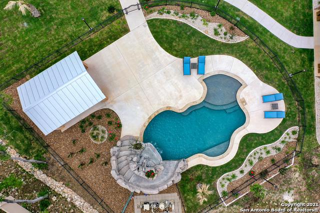 215 Winding Ln Property Photo 37