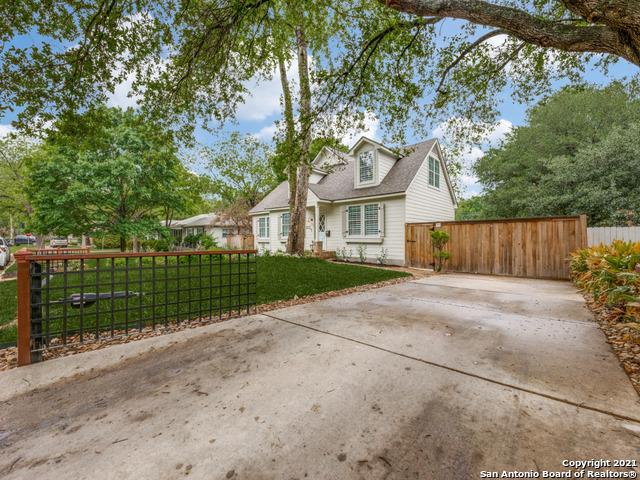 211 E Edgewood Pl Property Photo 2